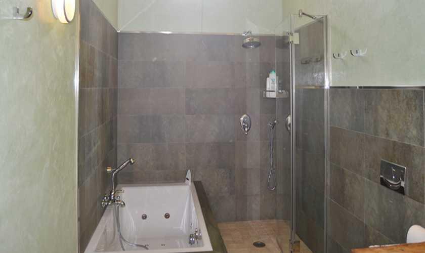 Badezimmer Ferienhaus Mallorca 6 Personen PM 5351