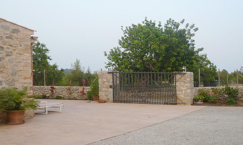 Einfahrt Finca Mallorca Nordosten PM 5412