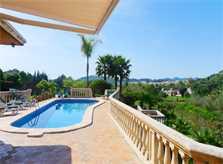 Pool und Blick Ferienvilla Mallorca Arta PM 5531