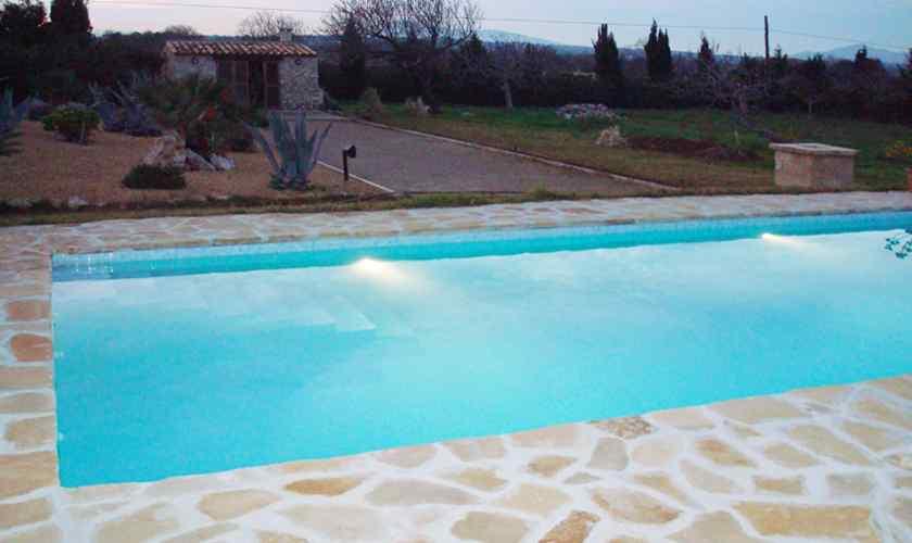 Pool abends Finca Mallorca Nordosten PM 5595