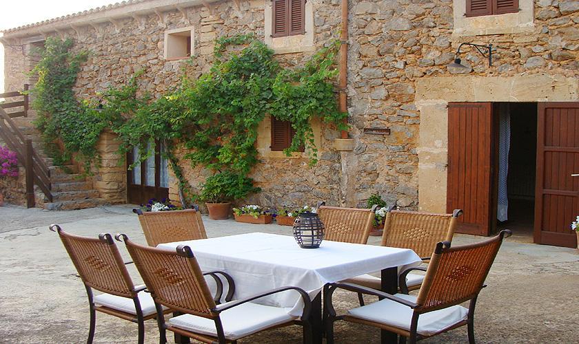 Vordere Terrasse Finca Mallorca bei Arta PM 559