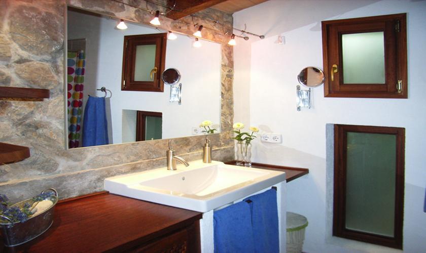 Badezimmer Ferienfinca Mallorca für 2 - 4 Personen PM 567