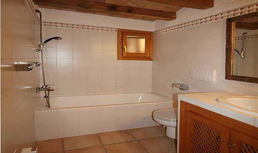 Badezimmer Ferienfinca Mallorca Nordosten PM 580