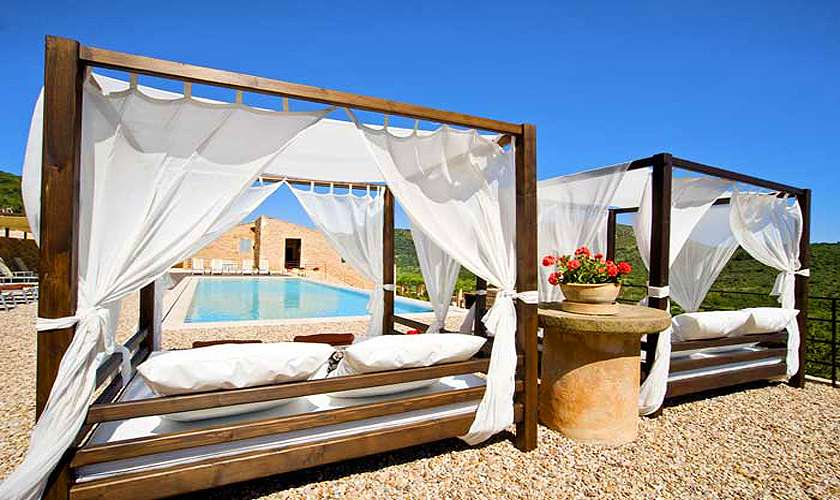 Daybeds am Pool Finca Mallorca PM 585