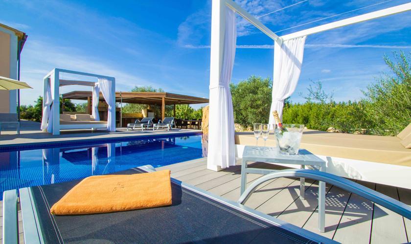 Pool und Lounge Luxusfinca Mallorca 12 Personen PM 6001