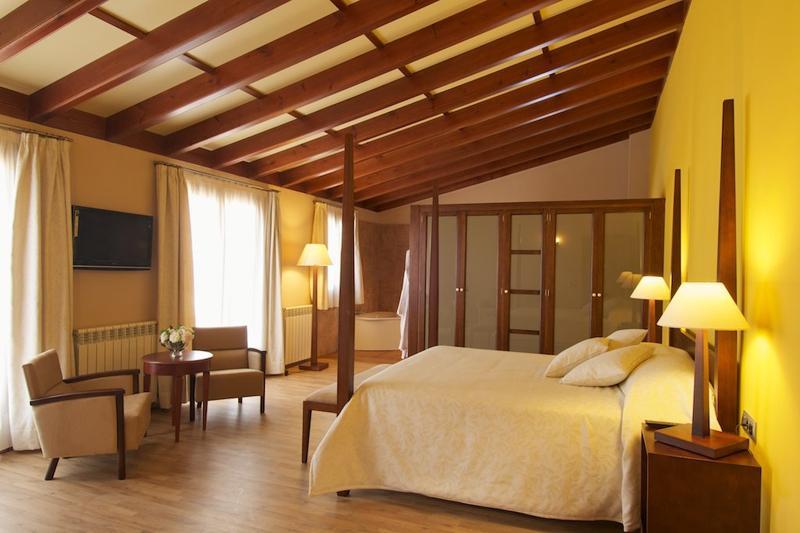 Schlafzimmer Luxusfinca Mallorca 12 Personen PM 6001