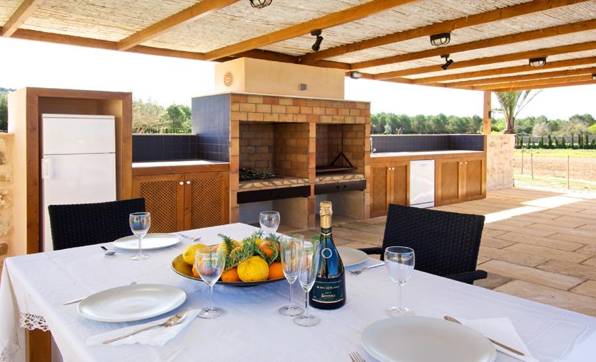 Barbecue Luxusvilla Mallorca 14 Personen PM 6002