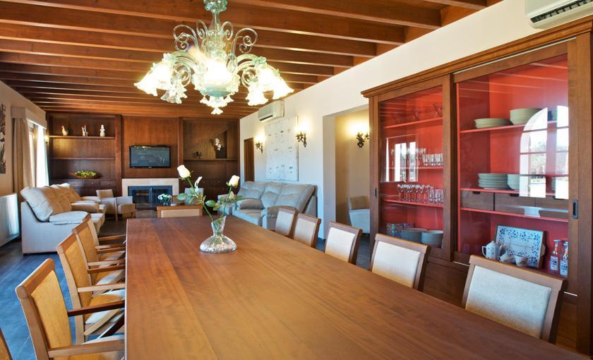 Großer Esstisch Luxusvilla Mallorca 14 Personen PM 6002