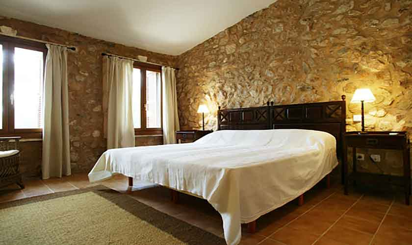 Schlafzimmer Yeguas Finca Mallorca Son Suau Vell 4 Personen