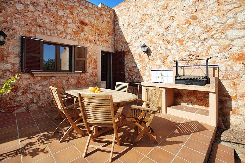 Grillplatz Finca Mallorca PM 6055 im Südosten für 10 Personen