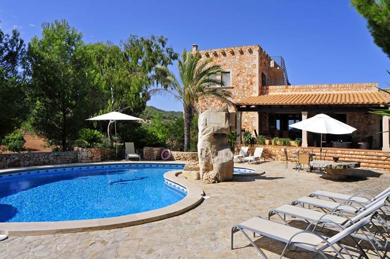 Pool und Finca Mallorca PM 6055 im Südosten für 10 Personen