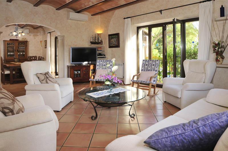 Wohnraum Ferienfinca Mallorca PM 6055 im Südosten für 10 Personen