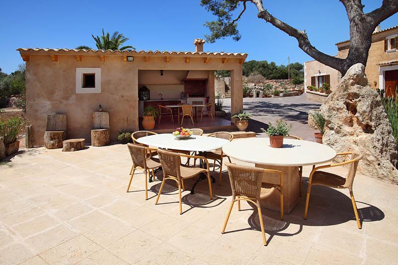 Barbecue Casita Ferienfinca Mallorca Südosten PM 6056 für 12 - 14 Personen