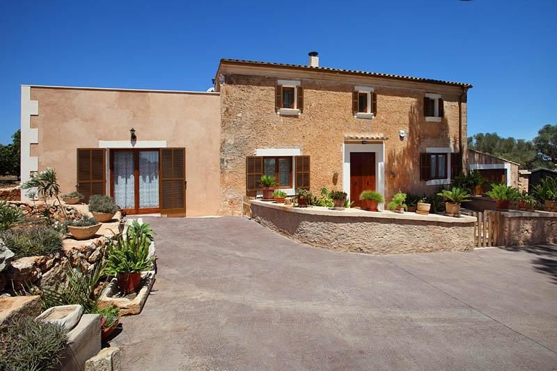 Blick auf die Ferienfinca Mallorca Südosten PM 6056 für 12 - 14 Personen