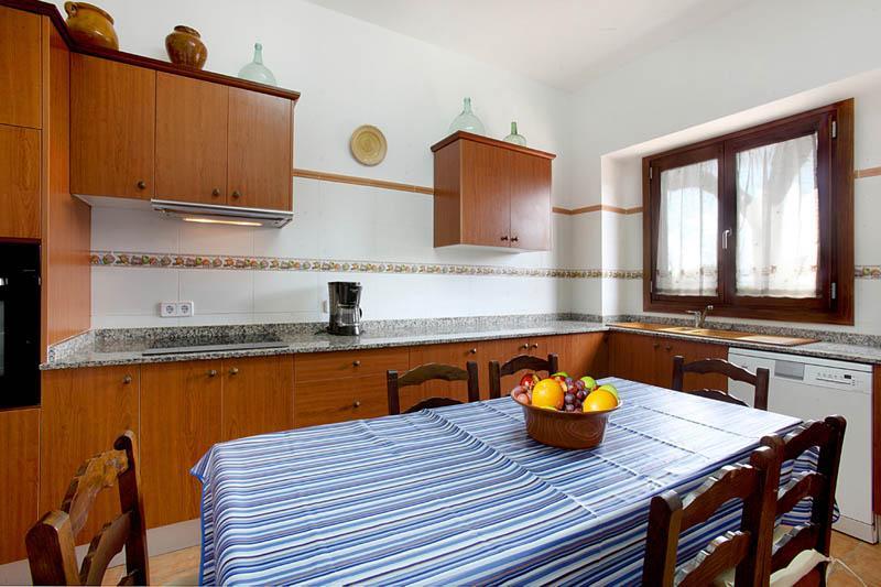 Küche  Finca Mallorca Südosten PM 6056 für 12 - 14 Personen