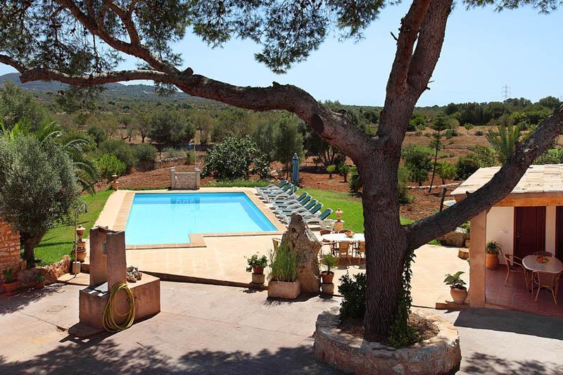 Poolblick Ferienfinca Mallorca Südosten PM 6056 für 12 - 14 Personen