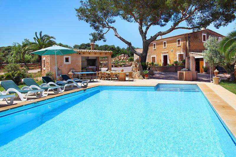 Pool und Finca Mallorca Südosten PM 6056 für 12 - 14 Personen