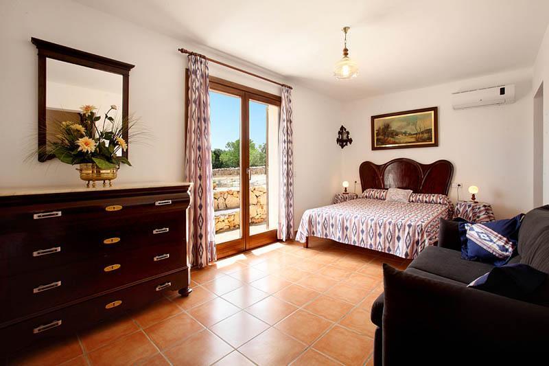 Schlafzimmer 5 Finca Mallorca Südosten PM 6056 für 12 - 14 Personen