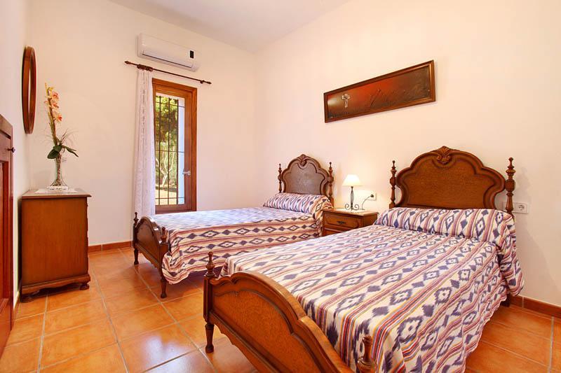 Schlafzimmer 4 Finca Mallorca Südosten PM 6056 für 12 - 14 Personen