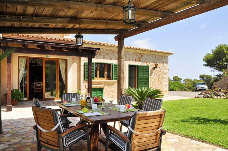 Terrasse 3 der Ferienfinca Mallorca PM 6061 im Südosten