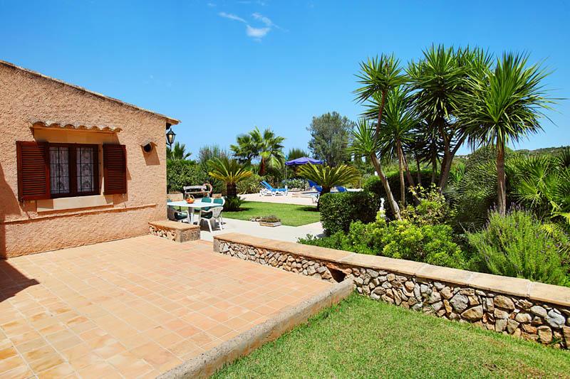 Garten der Ferienfinca Mallorca PM 6062 im Südosten für 6-7 Personen