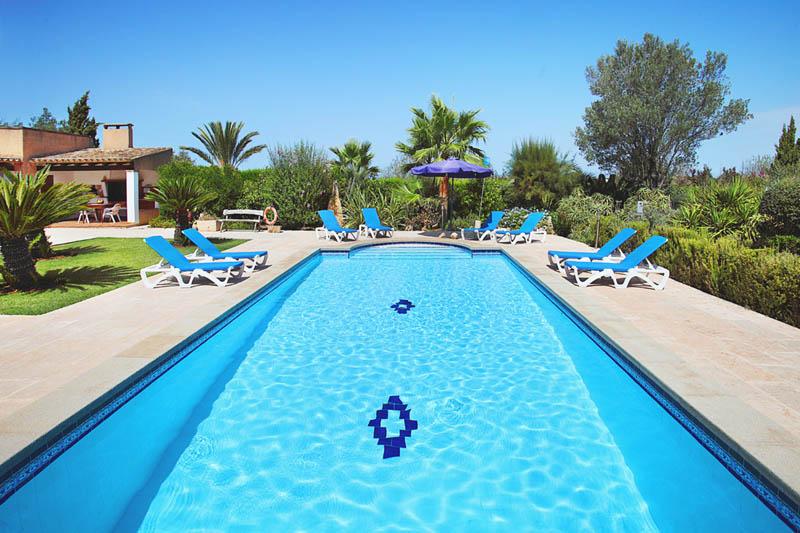 Pool der Ferienvilla Mallorca PM 6062 im Südosten für 6-7 Personen