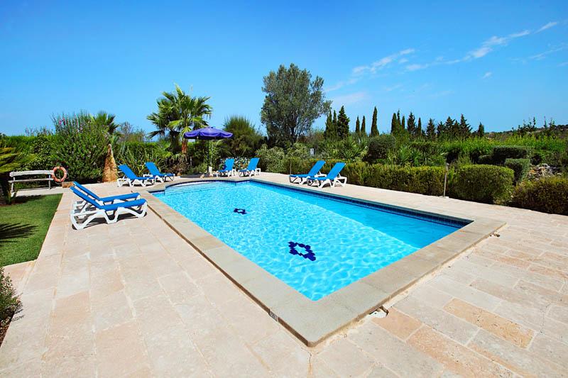 Pool der Villa Mallorca PM 6062 im Südosten für 6-7 Personen