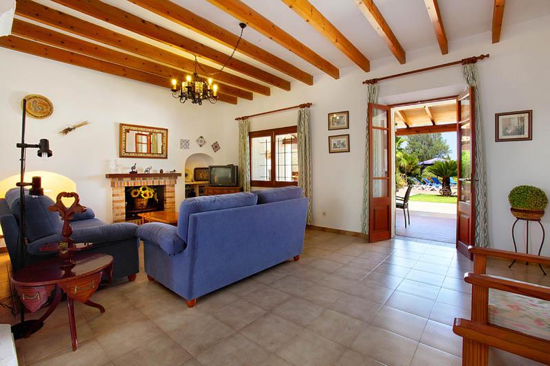Wohnraum Finca Mallorca Südosten PM 6062 für 6-7 Personen