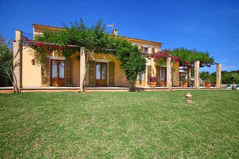 Rasenflächen Finca Mallorca Südosten PM 6064