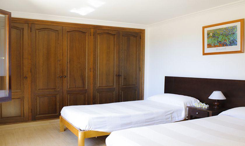 Schlafzimmer Finca Mallorca 10 Personen PM 6071
