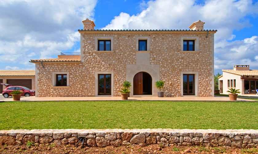 Blick auf die Finca Mallorca 8 Personen PM 6075