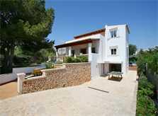 Blick auf die Ferienvilla Mallorca mit Pool PM 6079