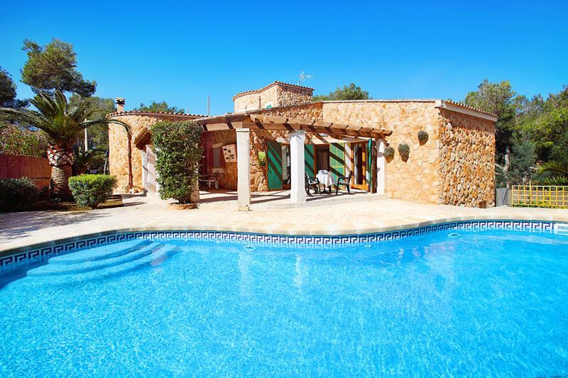 Pool und Ferienvilla Mallorca PM 6081