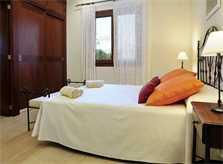Schlafzimmer der exklusiven Finca Mallorca Südosten PM 6086