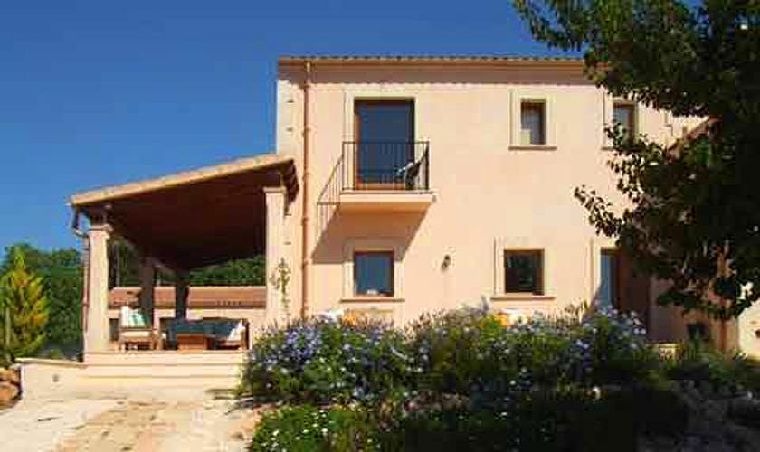 Blick auf die Finca Mallorca mit Pool im Südosten PM 608