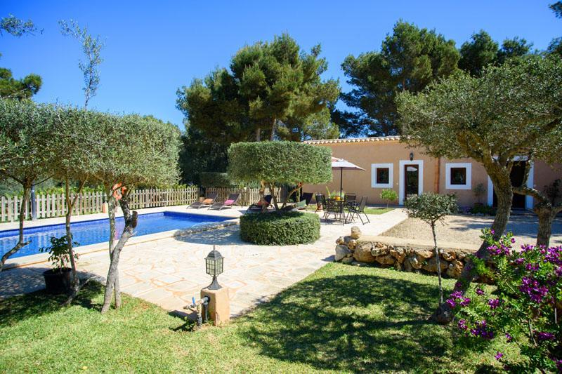 Pool und Garten Finca Mallorca in Strandnähe Südosten PM 6090