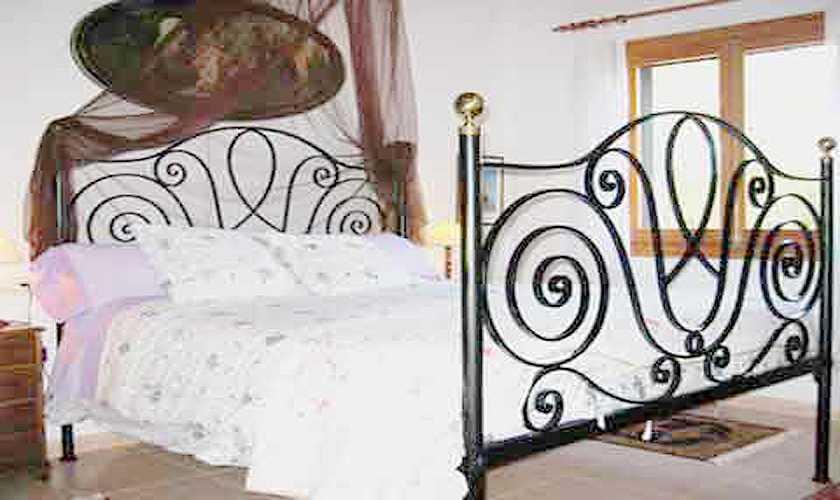 Schlafzimmer Finca Mallorca 4 Personen PM 611