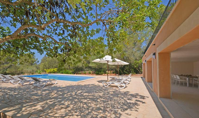 Pool und Terrasse Ferienvilla Mallorca Süden PM 6140