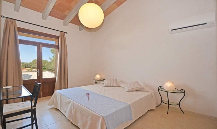 Schlafzimmer Ferienhaus Mallorca 10 Personen PM 6140