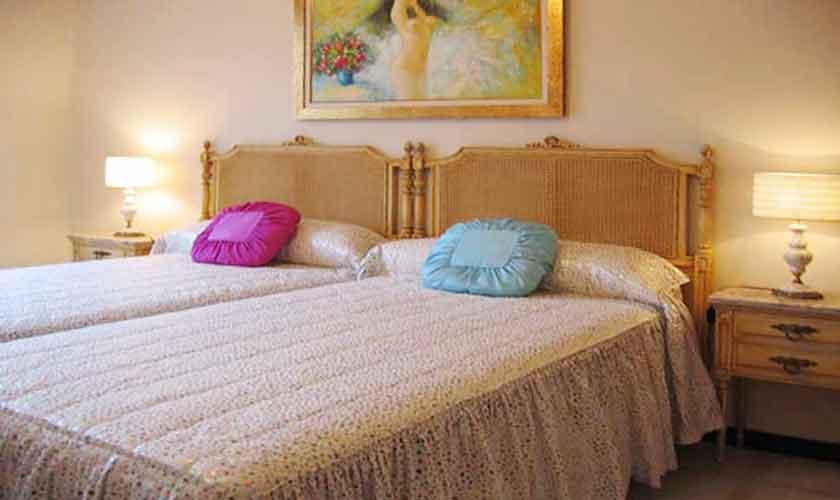 Schlafzimmer Ferienvilla Mallorca Süden PM 645