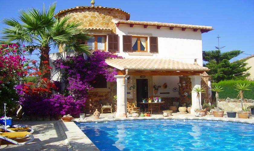 Poolblick und Ferienhaus Mallorca Cala Santanyi 2 Personen PM 647