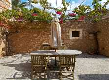 Patio Luxusfinca Mallorca Santanyi PM 650