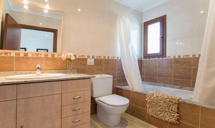 Badezimmer Ferienhaus Mallorca 10 Personen PM 6530