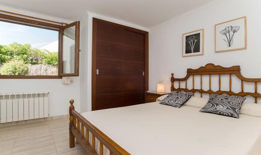 Schlafzimmer Ferienhaus Mallorca 10 Personen PM 6530