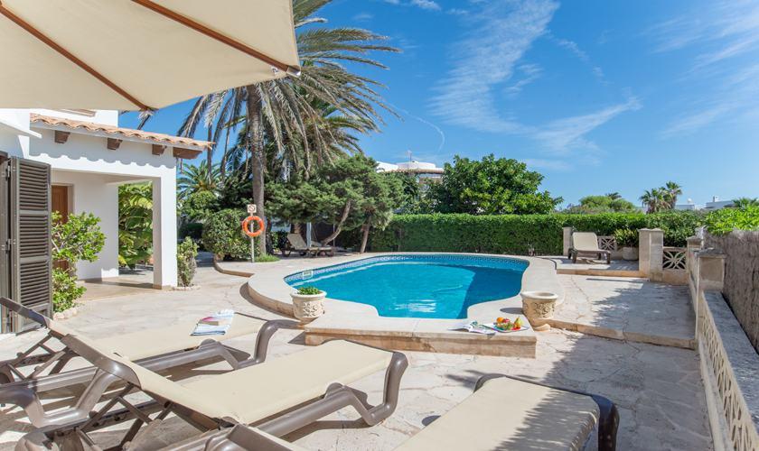 Pool und Terrasse Ferienhaus Mallorca Strandnähe PM 6530