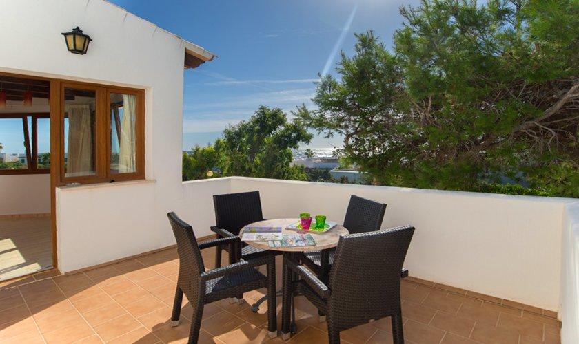 Terrasse oben Ferienhaus Mallorca 10 Personen PM 6530
