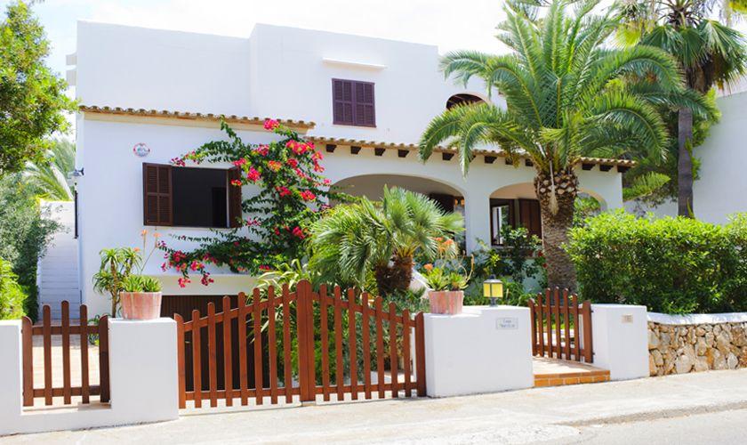 Frontansicht Ferienhaus Mallorca Südosten Cala D'or Pool Internet PM 6533