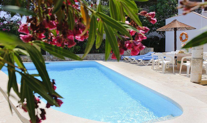 Blick auf den Pool Ferienvilla in Strandnähe Mallorca Südosten PM 6533