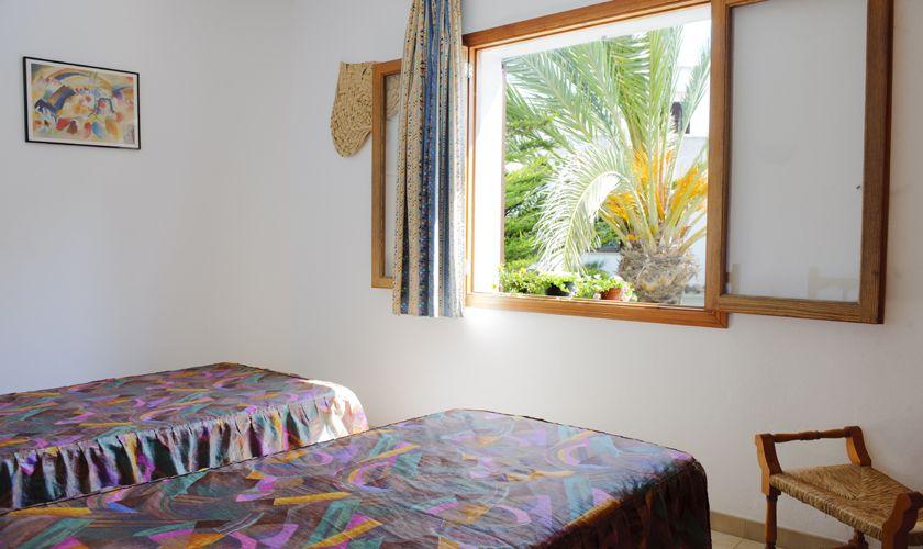 Schlafzimmer Einzelbetten Ferienhaus Südosten Mallorca PM 6533