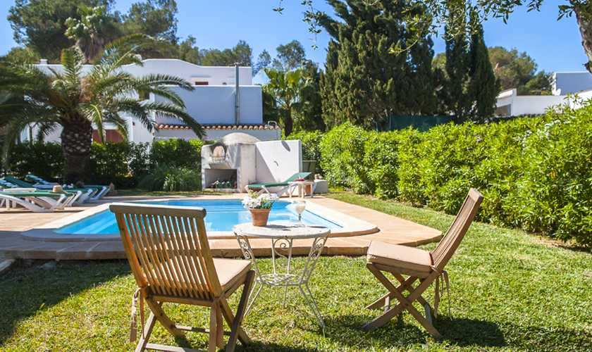 Pool und Rasen Ferienvilla Mallorca Cala d´Or PM 6535